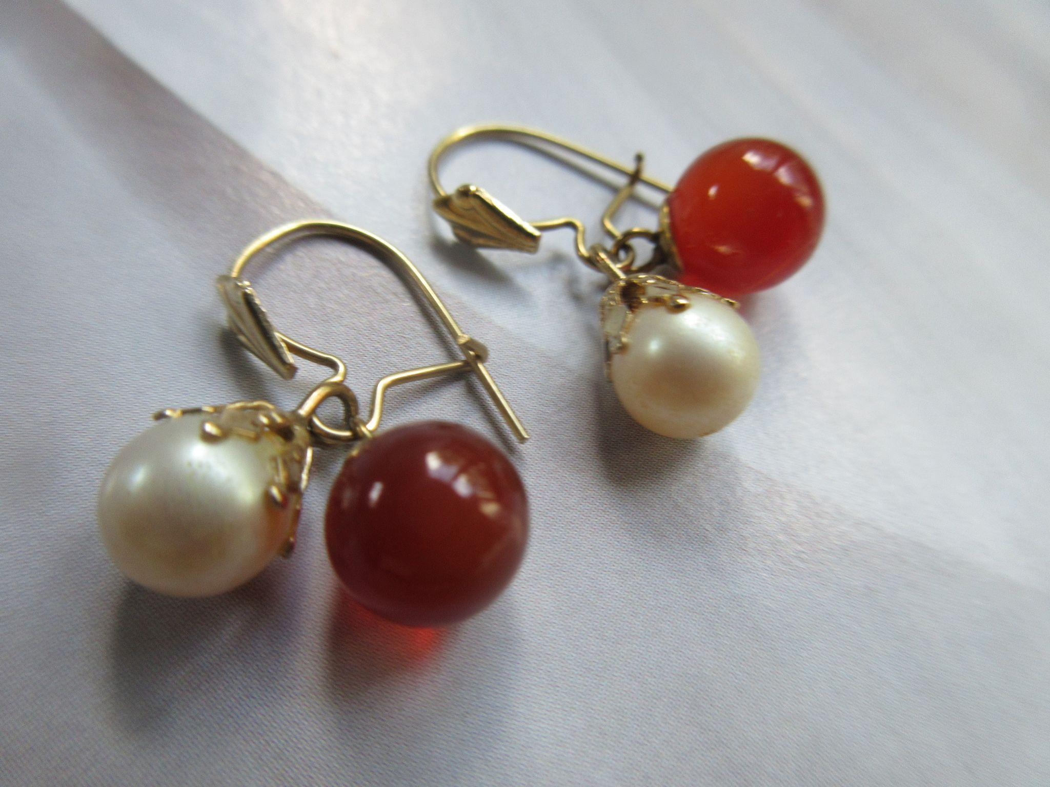 Vintage 10K Carnelian and Cultured Pearl Pierced Earrings