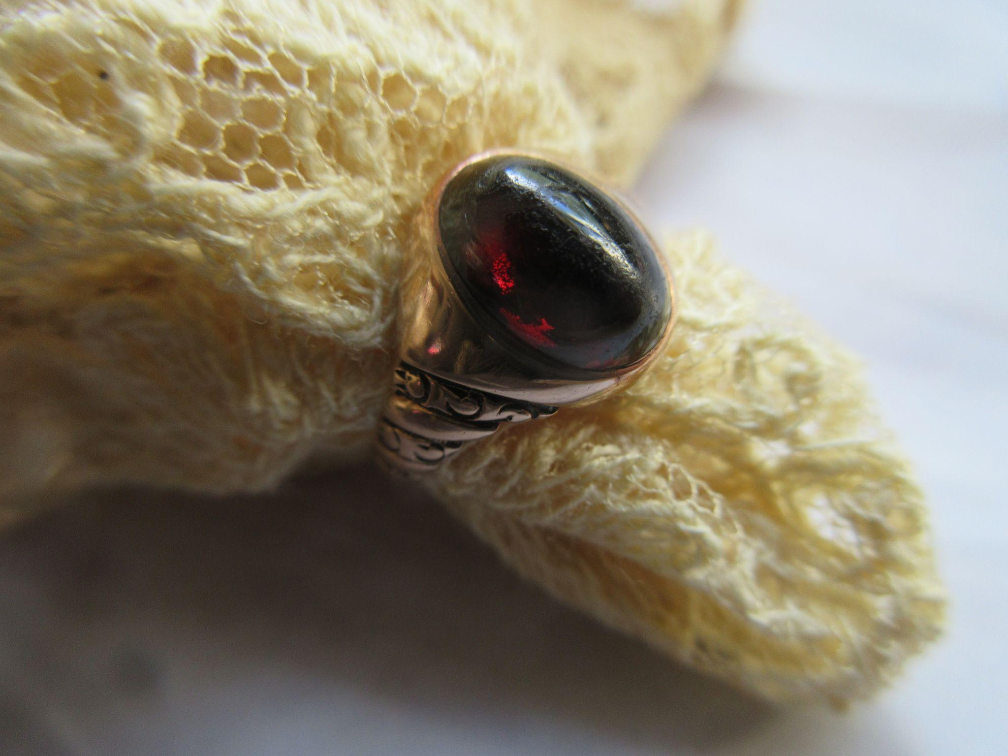 Victorian 10K Garnet Cabochon Ring  Size 7