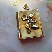 Vintage Photo Locket in Gold Fill