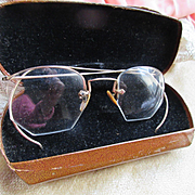Older Vintage Shuron Wire Rimless Gold Fill Eye Glasses Original Case
