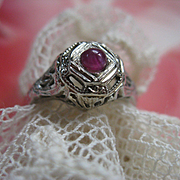 18K White Gold Natural Ruby Cabochon Ring Art Deco  1920s Filigree Ring