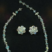 Beautiful Vintage Graduated Glass Crystal Aurora Borealis Necklace Earrings Demi Parure Set