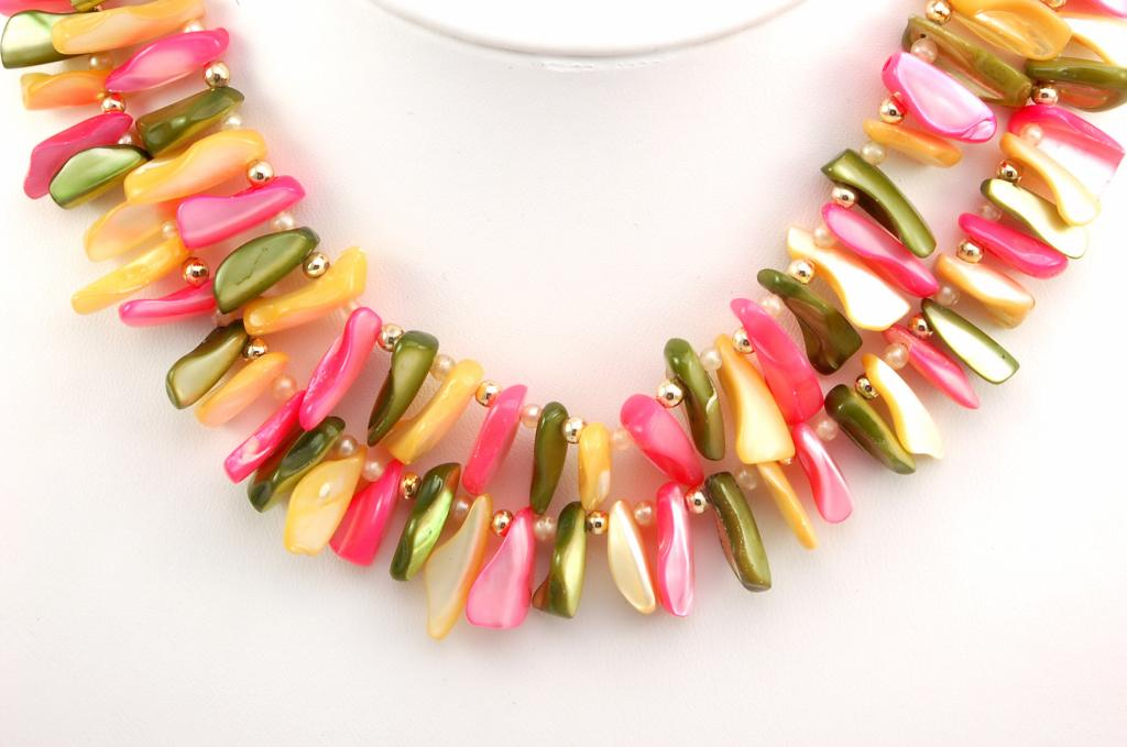 Vintage Dyed Mother of Pearl Green Yellow Pink Necklace Bracelet Demi Parure Set