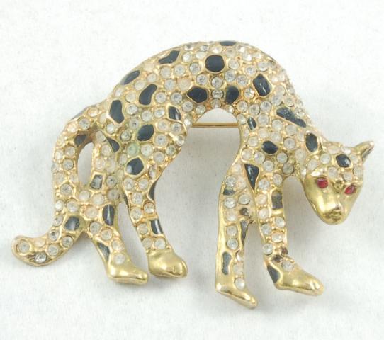 Sleek Vintage Rhinestone Black Enamel Cat Leopard Brooch Pin
