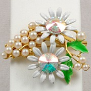 Beautiful Vintage Rhinestone Faux Pearl Enamel Flower Brooch Pin