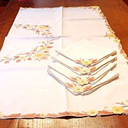 Beautiful Vintage Madeira Yellow Flower Tablecloth and 4 Napkins