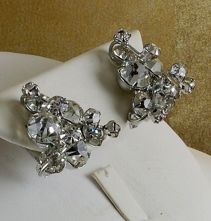 Sparkling Vintage Rhinestone Earrings