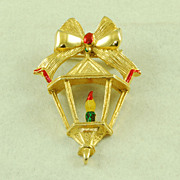 Vintage Gerry's Green Red Enamel Christmas Lantern Pin Brooch