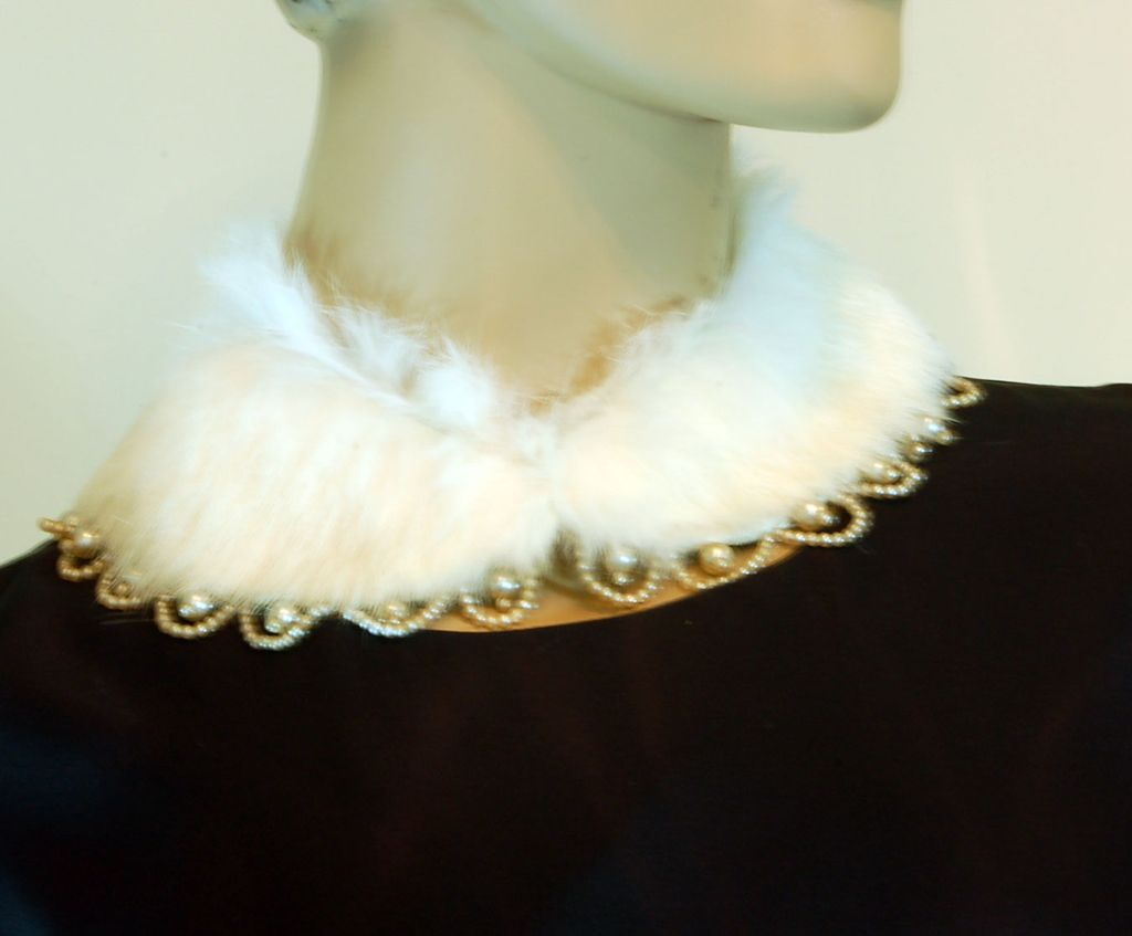 Gorgeous Vintage Rabbit Fur Collar with Faux Pearls