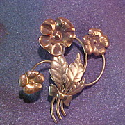 Retro Floral Pin Brooch in Gold Tone and Rose Color Metal