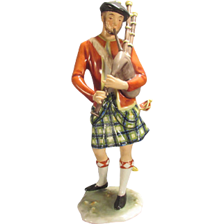 Porcelain Scottish Bagpiper Figurine Alka Kunse Kaiser