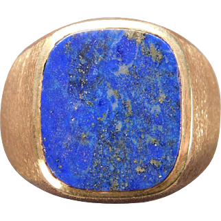 Man's Lapis Lazuli Ring in 10 Karat Yellow Gold
