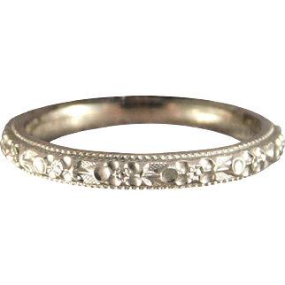 Vintage Mint Condition 18 Karat White Gold Floral Ladies Wedding Band