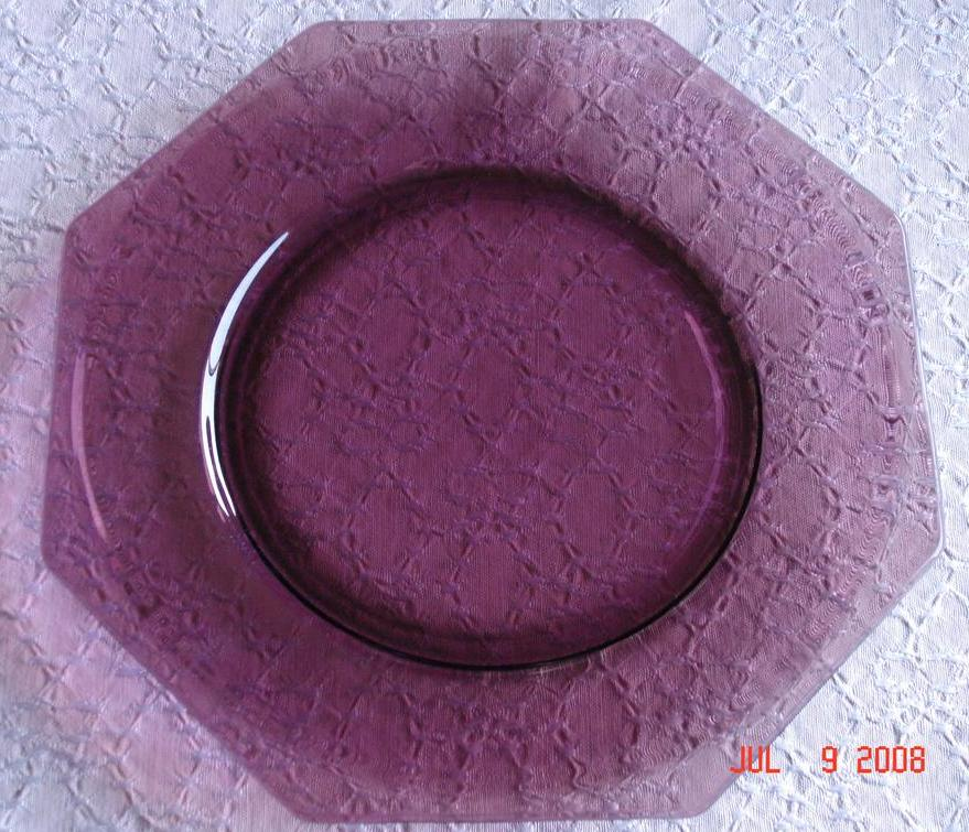 Beautiful Vintage Hazel-Atlas Moroccan Amethyst Square Glass Dinner Plates