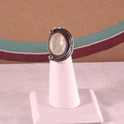 Elegant Navajo Made Mother of Pearl Ring ca 1970's