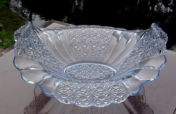 Fenton Daisy and Button Crystal Transparent Blue Bowl