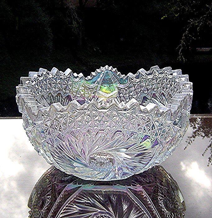 L.E. Smith White Carnival Bowl in Buzz Star Pattern ca 1960's