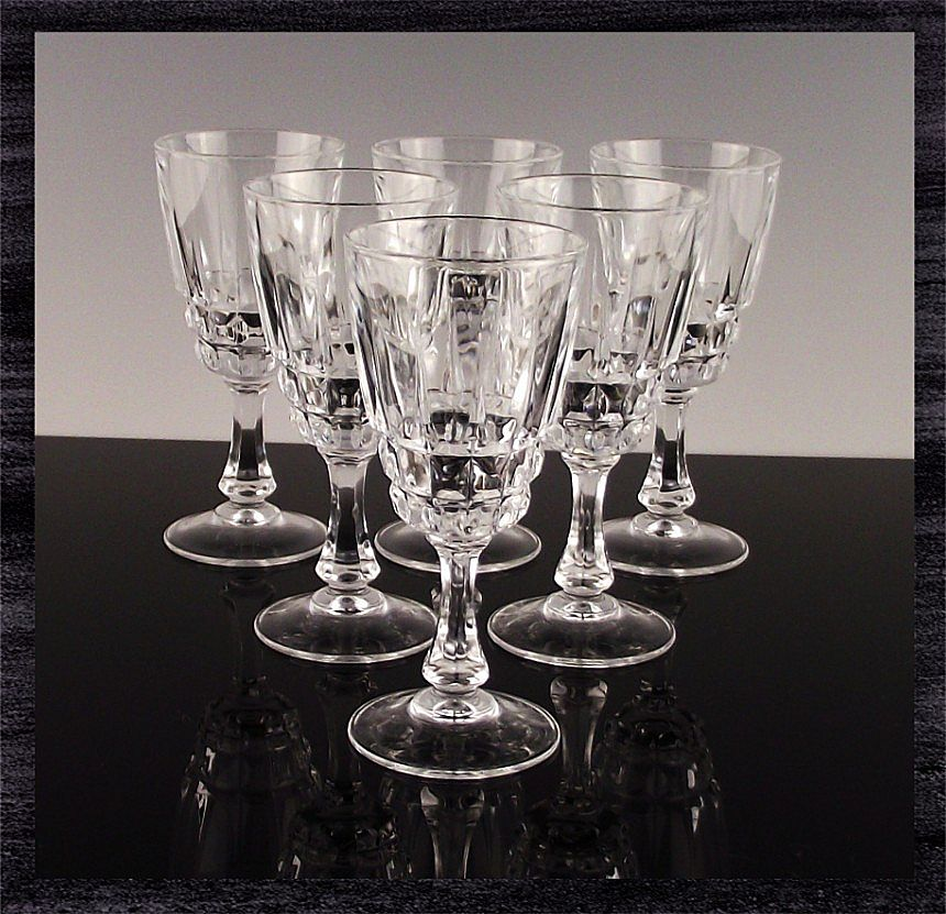 Set of 6 Cordial Glasses in The Pompadour Pattern