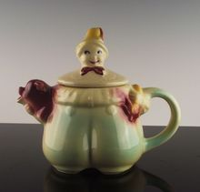 Shawnee Pottery Tom the Piper's Son Teapot ca 1940's
