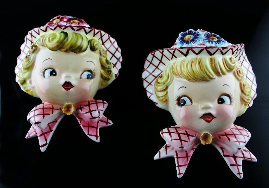 Adorable 1950's Miss Daisy Wall Pocket Set