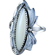 Graceful Navajo Sterling and Mother of Pearl Ring