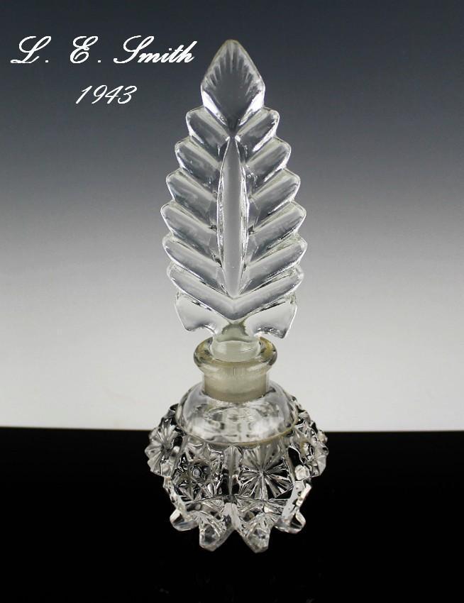 Graceful L. E. Smith Perfume Bottle ca 1943