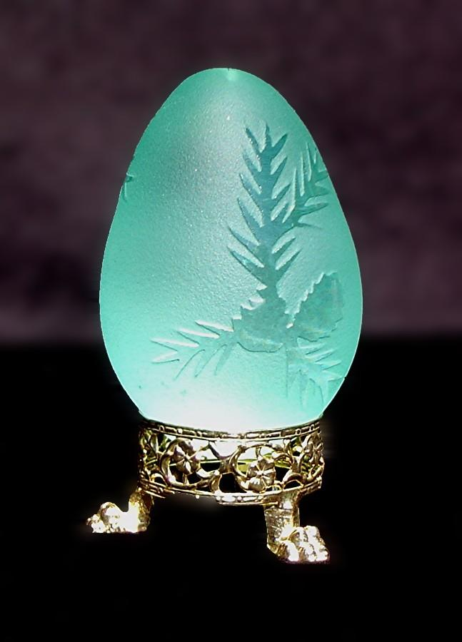 Gorgeous Art Glass Egg