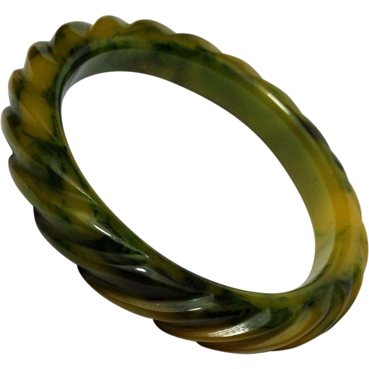 Fine Rope Carved Gaudy Marbled Creamed Spinach Bakelite Bangle Bracelet