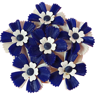 Large Blue and White Flower Power Plastic Pin
