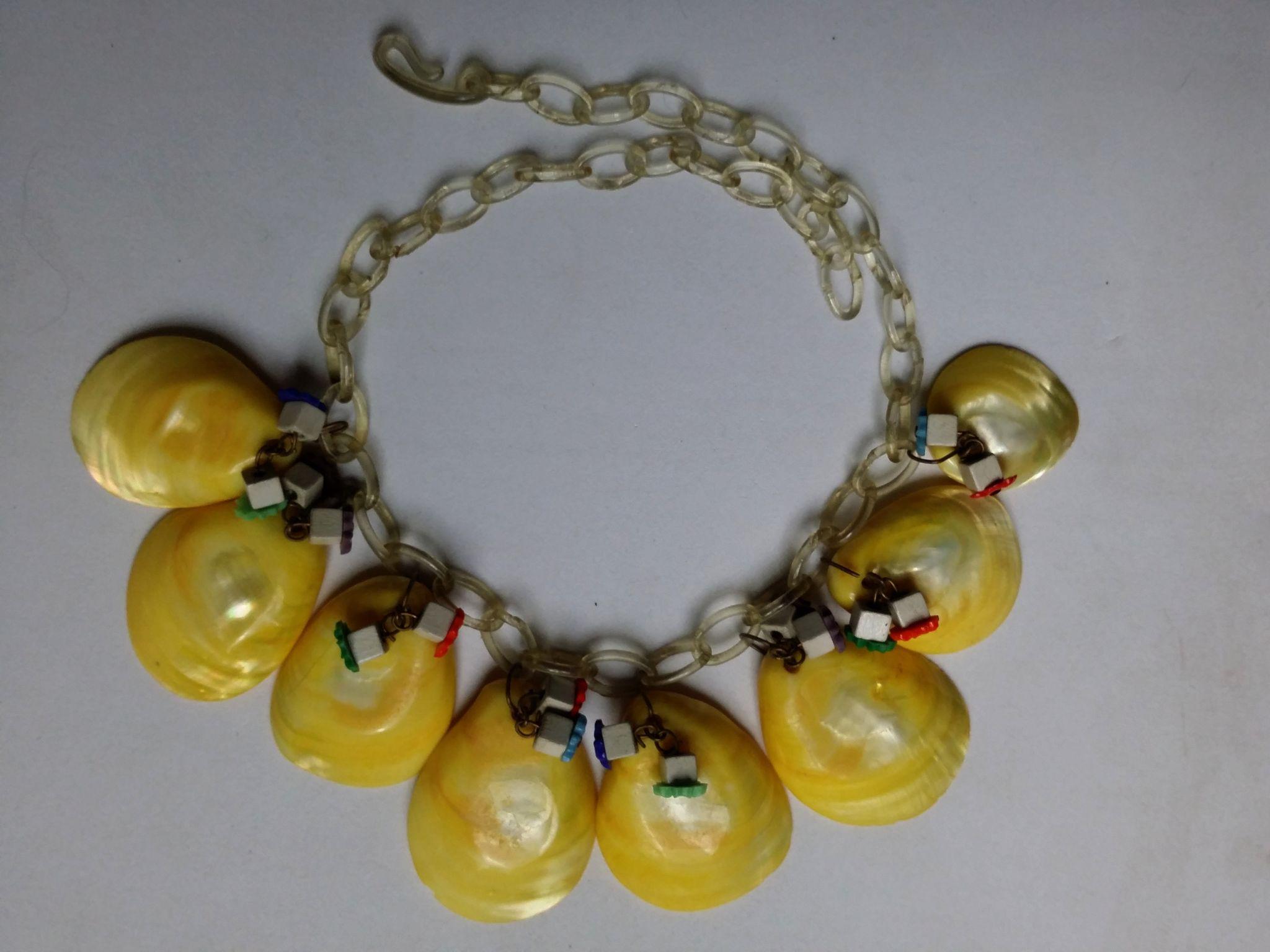 1940s Demi Parure Celluloid Chain Dyed Shell Necklace Bracelet