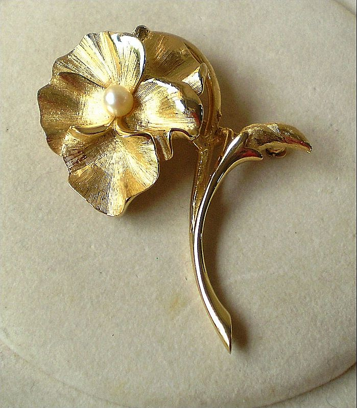 Boucher Pansy Brooch with Cultured Pearl