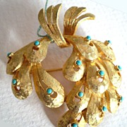 Flowing Florentine Finish Brooch with Faux Turquoise Stones
