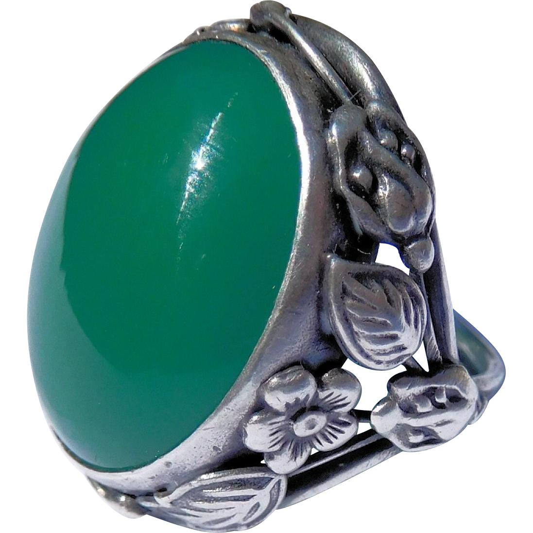 Arts and Craft Era Sterling and Chrysoprase Ring