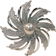 Sarah Coventry Silvertone Pinwheel Pin/Brooch with Faux Pearl
