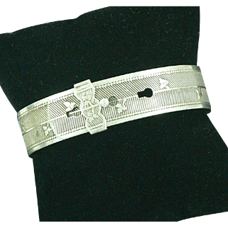 English Buckle Bracelet Sterling Silver with Ivy Appliques