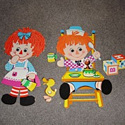 Mint Old Raggedy Ann and Andy Wall Plaques
