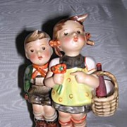 "Hummel ""To Market"" Figurine Full Bee 49/0"