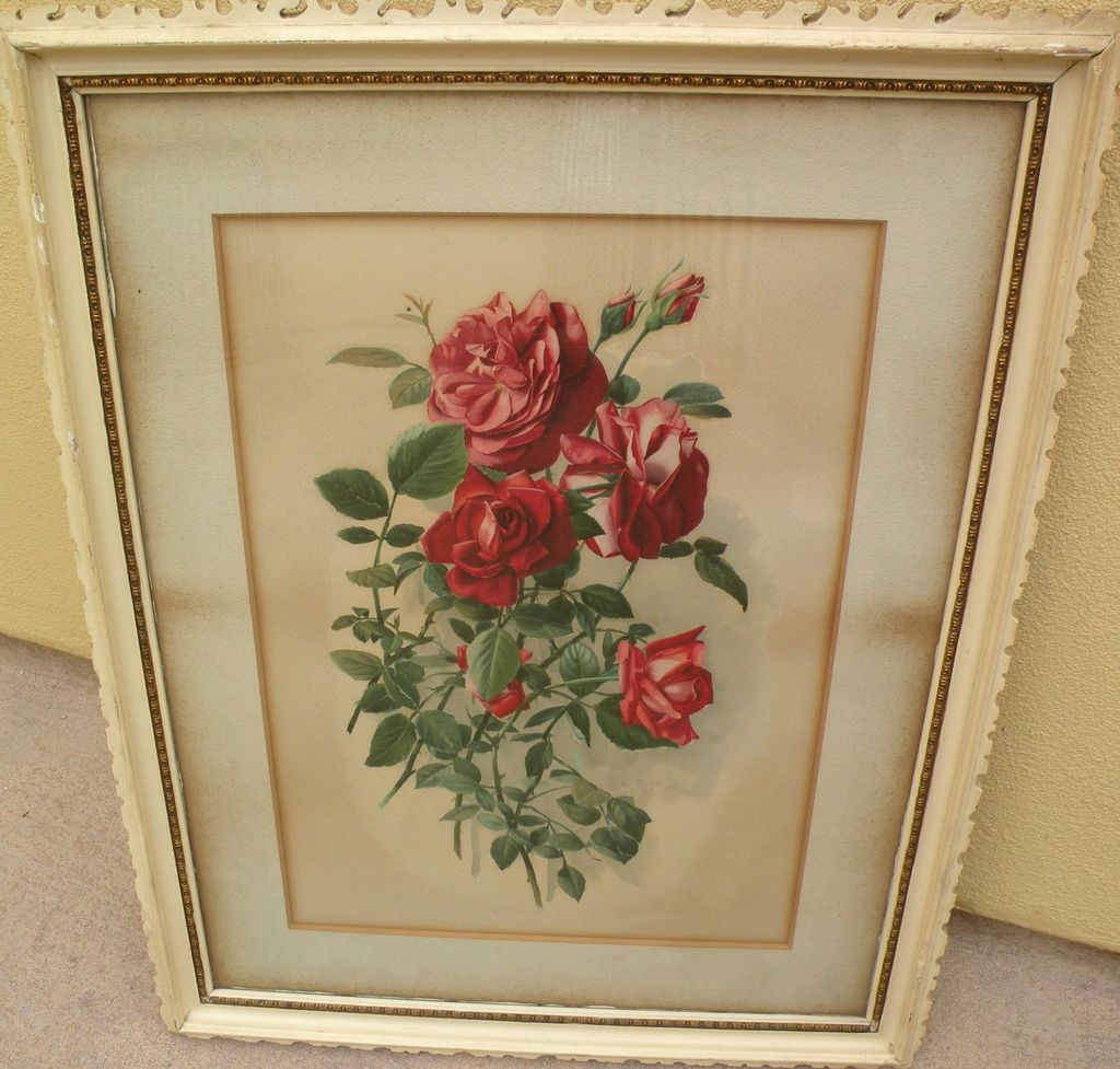 Attractive vintage print of red roses in shabby chic style