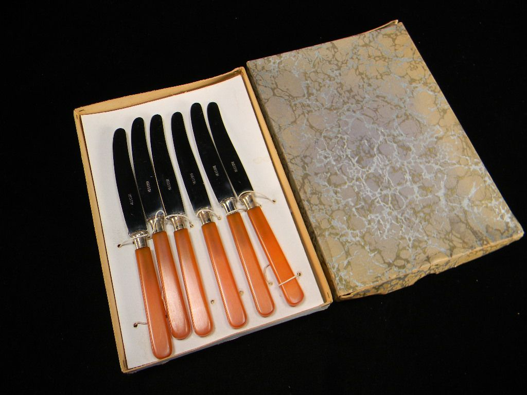 Six Vintage Hard-to-Find Apricot-Colored Bakelite Fruit Knives in Original Box