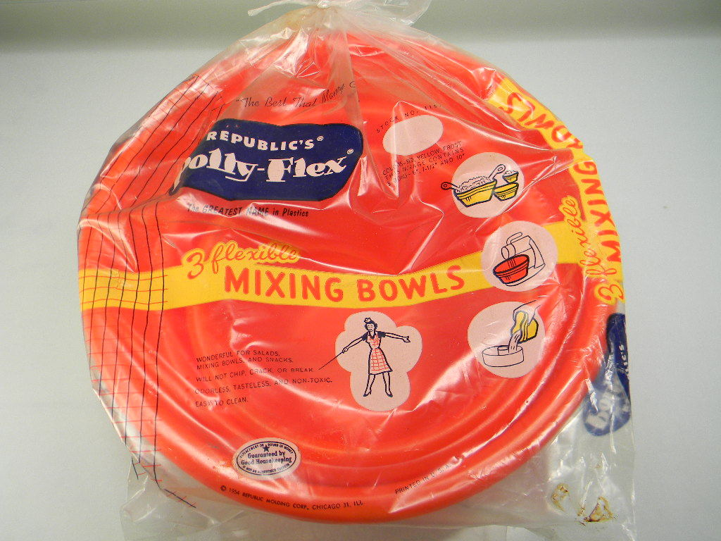 Vintage 1954 Republic's Polly-Flex Mixing Bowls in Original Packaging