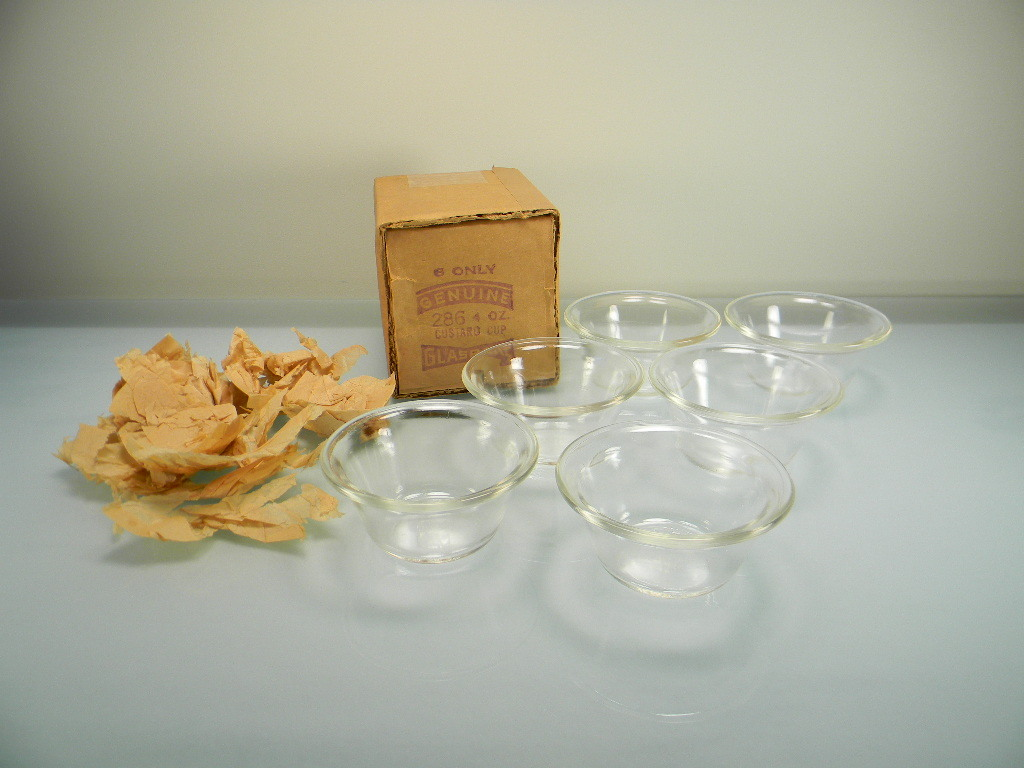 Six Vintage Crystal Glasbake Custard Cups in Original Box