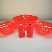 Red Plastic Burrite Luncheon Bowls & Shaker Set