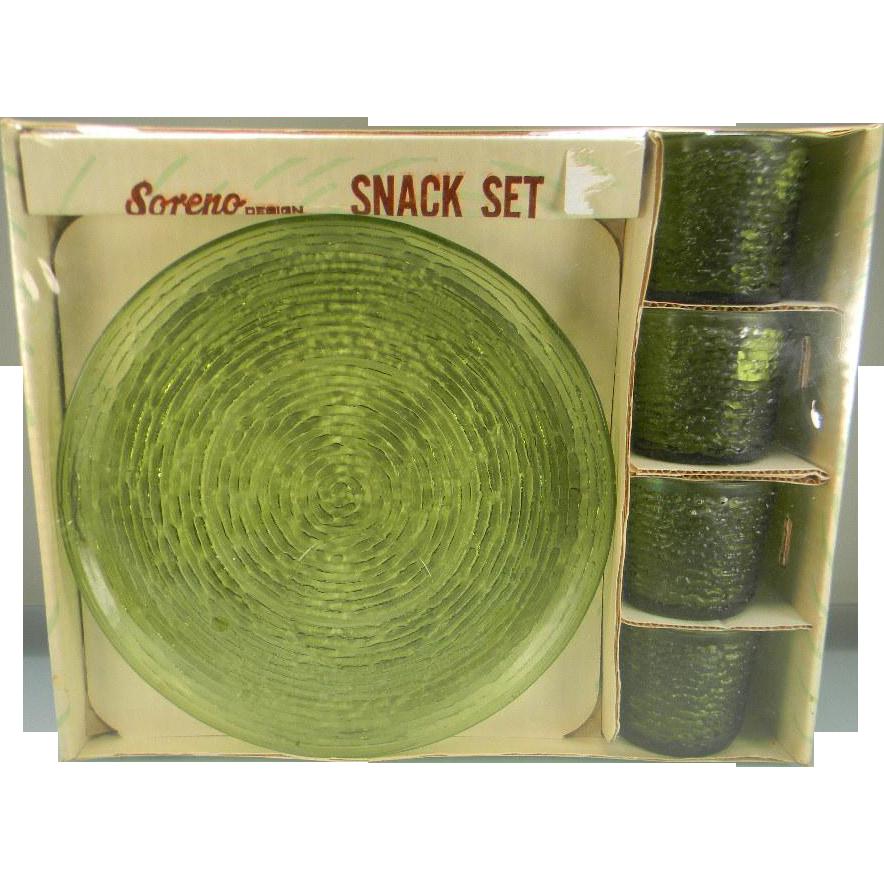 Anchor Hocking Avocado Green Soreno Snack Set in Original Box