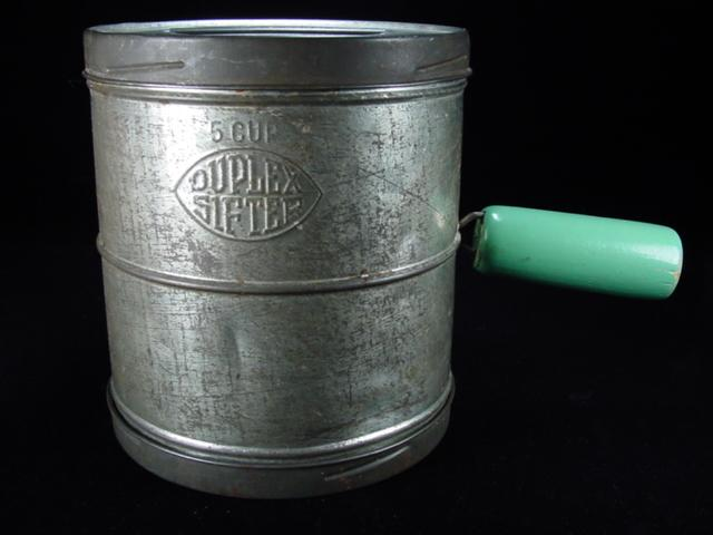 Primitive 1922 Duplex Flour Sifter