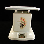 Vintage Maid of Honor Cattails Kitchen Scale
