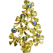 Signed AVON Vintage Christmas Tree Pin / Brooch with Rhinestones