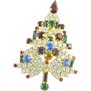 Sparkling All Rhinestone Vintage Christmas Tree Pin / Brooch Unsigned