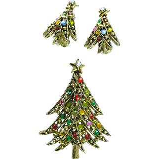 Vintage Christmas Tree Pin/ Brooch with Matching Earrings Signed Hollycraft Book Piece
