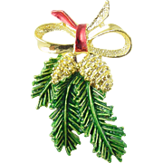 Signed Gerry's Vintage Christmas Holiday Pin / Brooch with Pine Cones and Evergreen