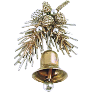 Signed ART Vintage Christmas Holiday Pine Cones Pin / Brooch with Swinging Bell